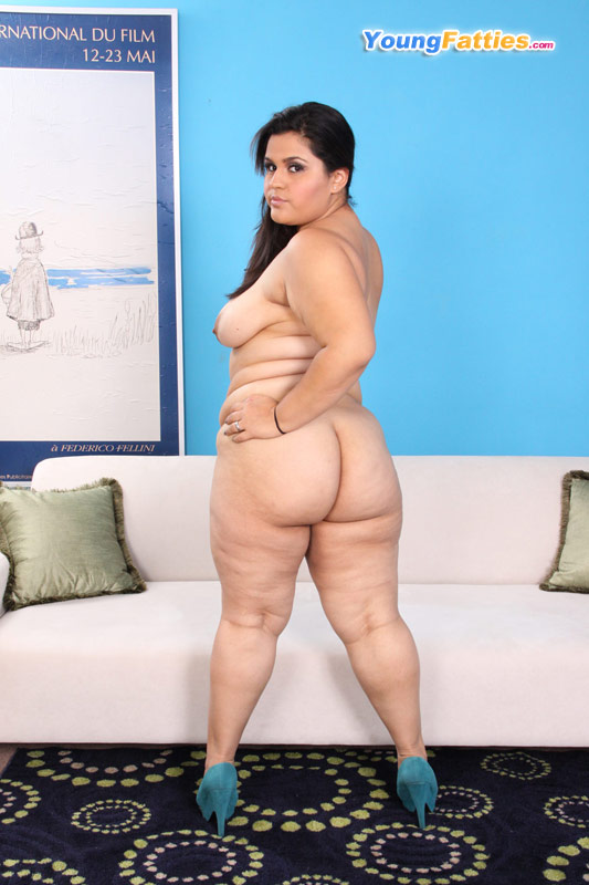 Latina Big Ass Spread Solo